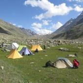 Eden izmed kičastih taborov za popoldanski in nočni počitek