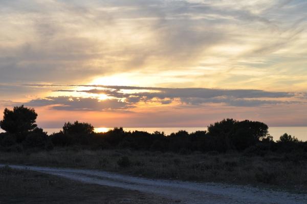 Čudovit sončni zahod ob kolesarski poti - Rt Kamenjak
